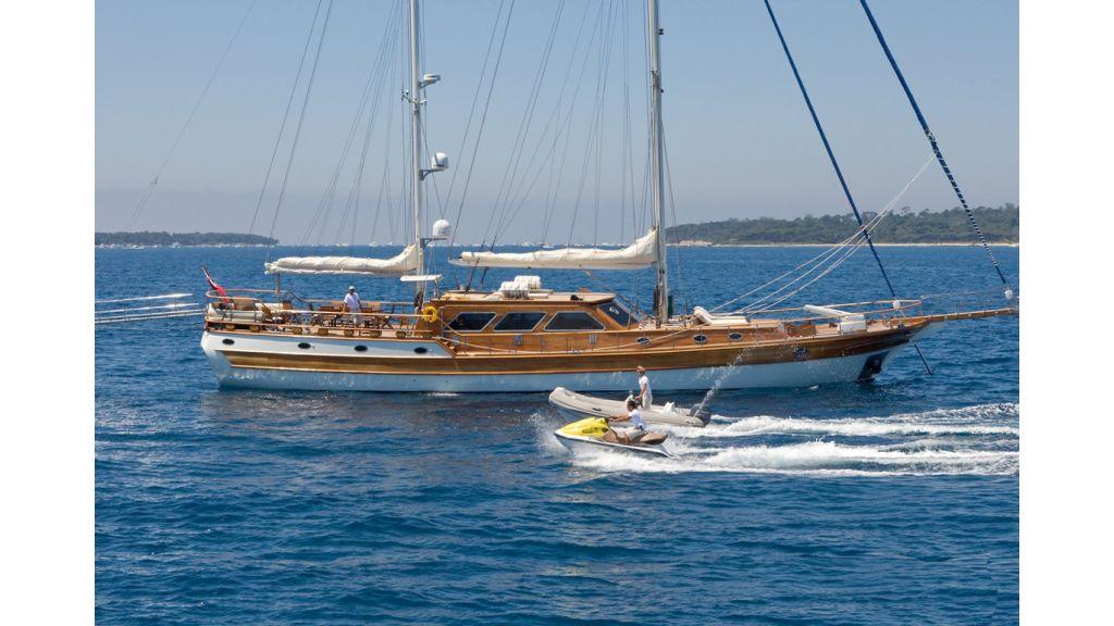 Motor Sailor yacht for sale (20)