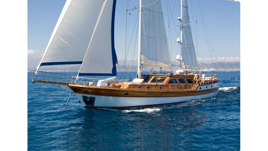 Motor Sailor yacht for sale (24)