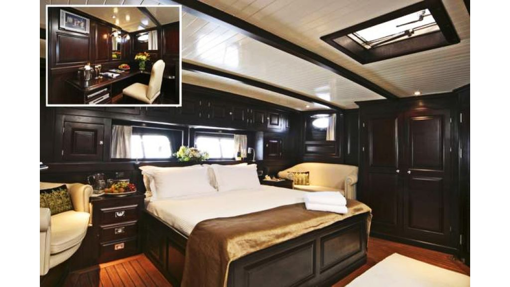 Motor Sailor yacht for sale (4)