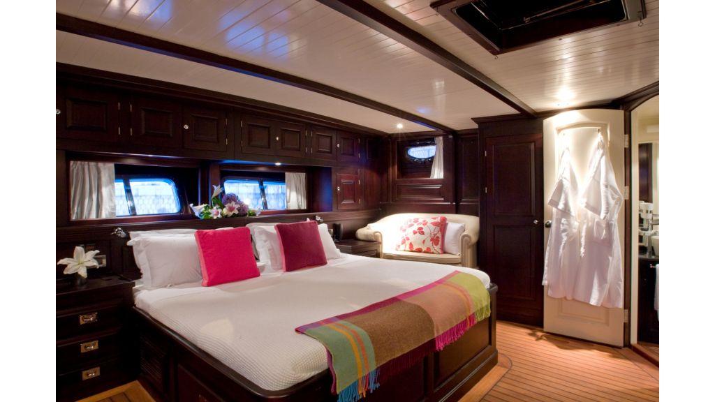 Motor Sailor yacht for sale (11)