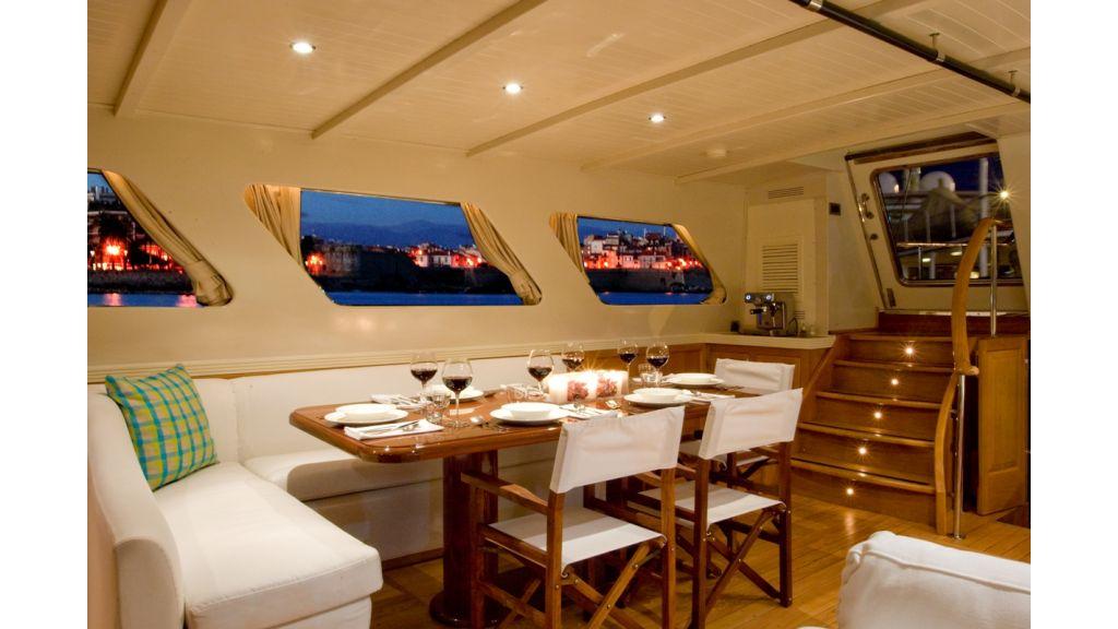 Motor Sailor yacht for sale (17)