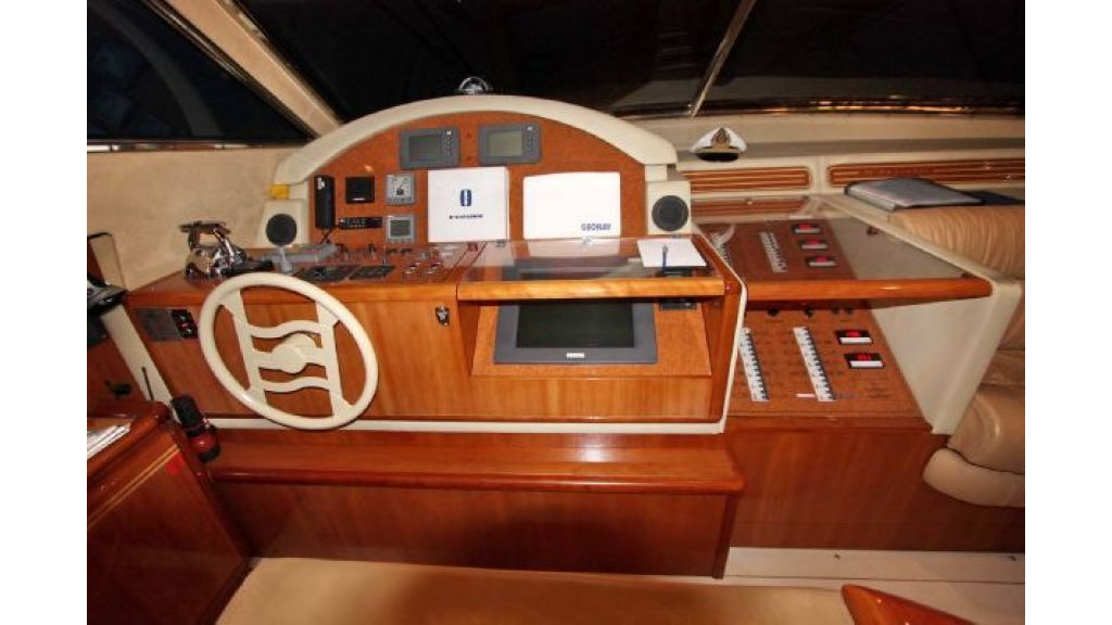 Ferretti_72_for_sale (13)