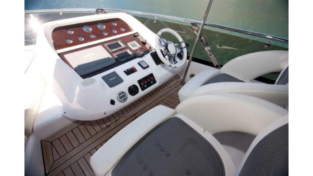 Sunseeker Manhattan 70 (5)
