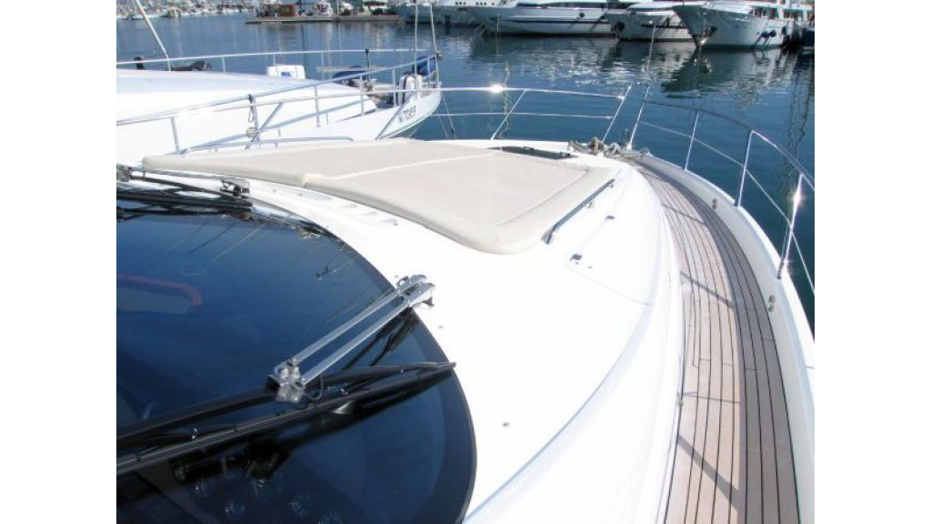 Sunseeker Manhattan 70 (2)