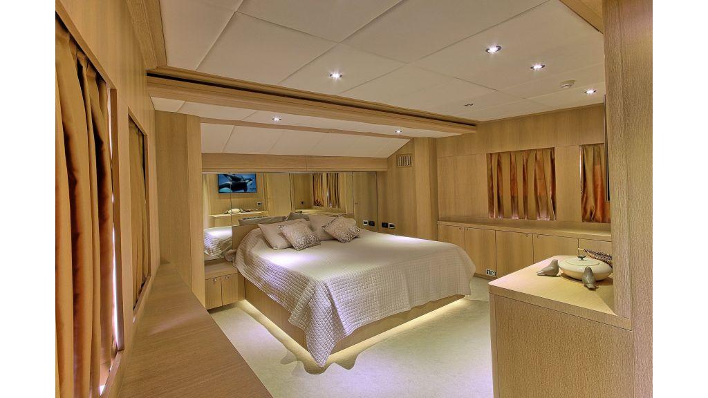 28m Steel Motor yacht