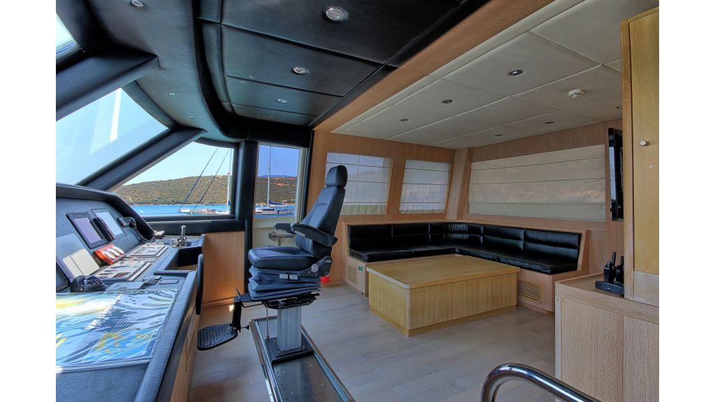 28m Steel Motoryacht (21)