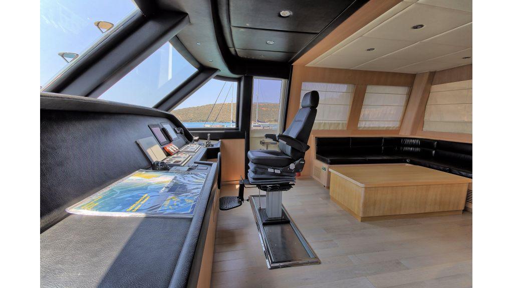 28m Steel Motoryacht (23)
