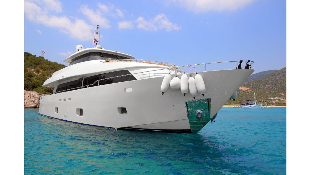28m Steel Motoryacht (61)