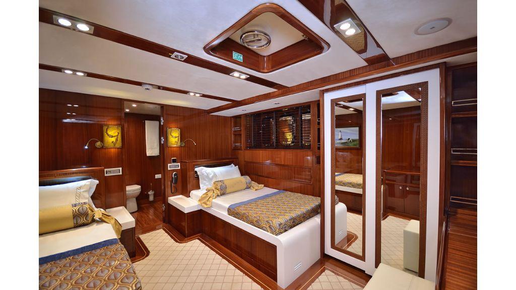 Custom_Designe_Sailing_Yacht  (14)