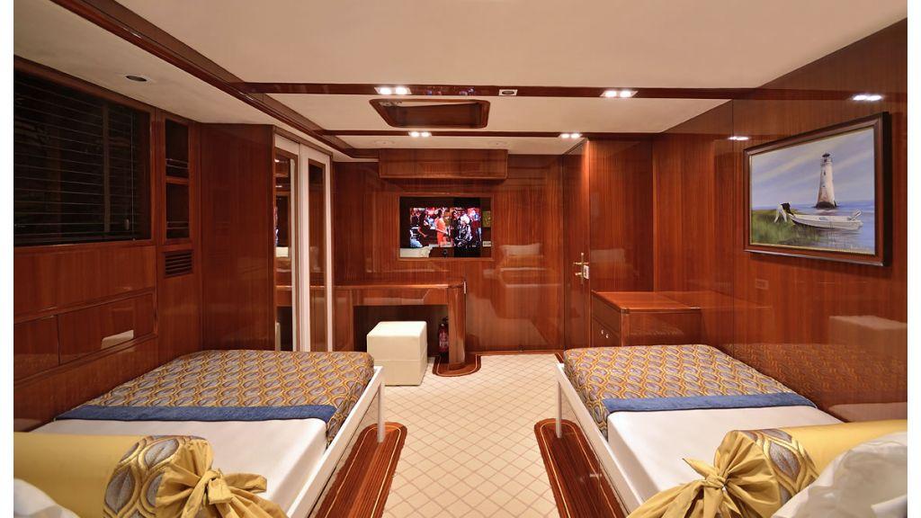 Custom_Designe_Sailing_Yacht  (16)