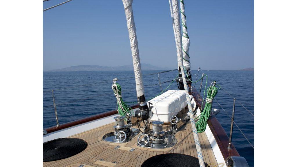 Custom_Designe_Sailing_Yacht  (23)