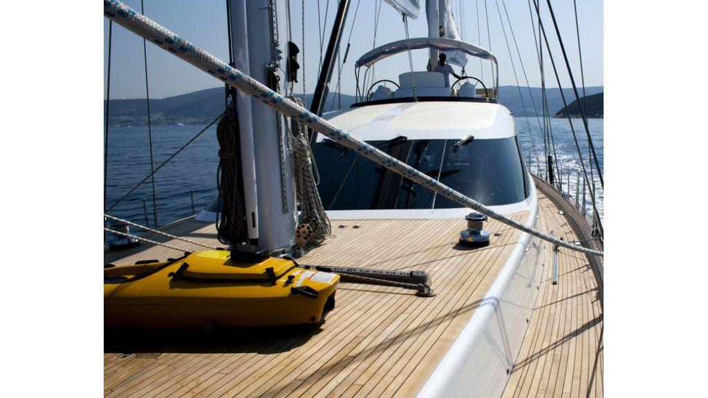 Custom_Designe_Sailing_Yacht  (24)