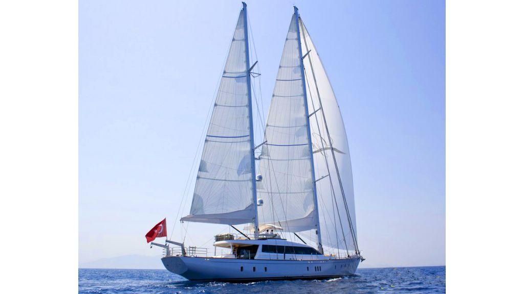 Custom_Designe_Sailing_Yacht  (25)