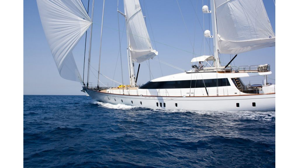 Custom_Designe_Sailing_Yacht  (26)