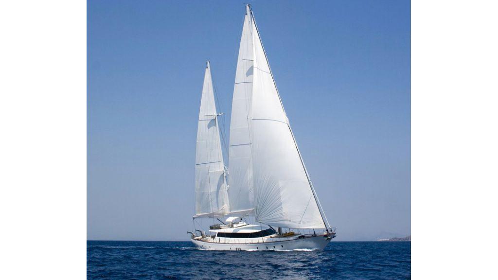 Custom_Designe_Sailing_Yacht  (28)