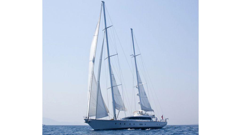 Custom_Designe_Sailing_Yacht  (32)