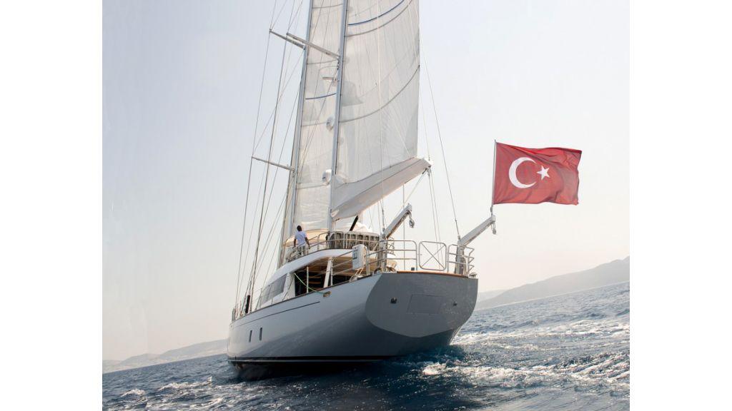 Custom_Designe_Sailing_Yacht  (35)