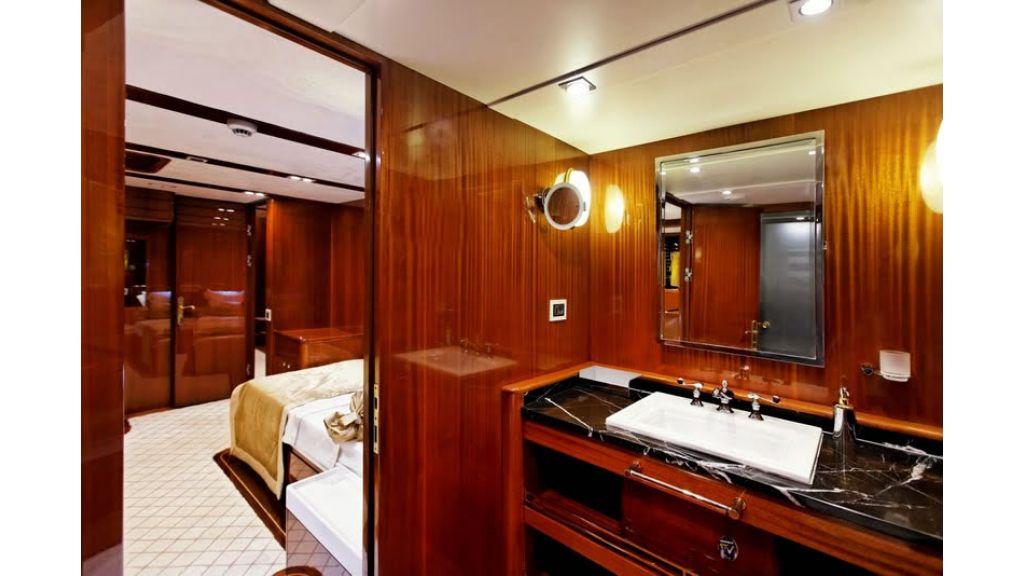 Custom_Designe_Sailing_Yacht  (10)