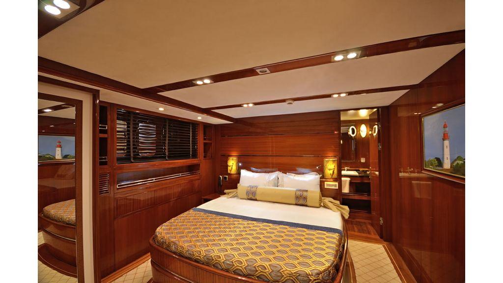 Custom_Designe_Sailing_Yacht  (11)