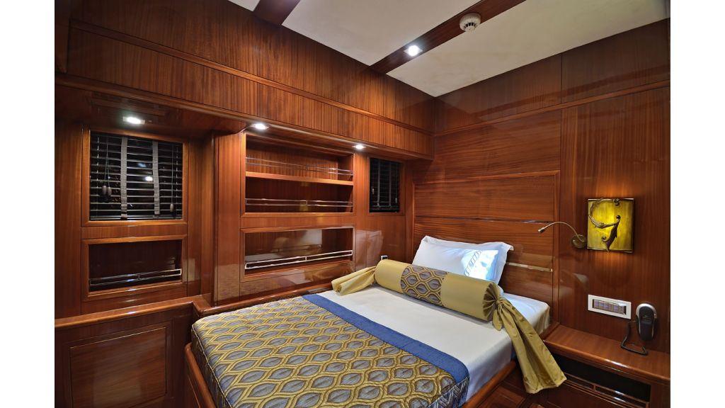 Custom_Designe_Sailing_Yacht  (13)