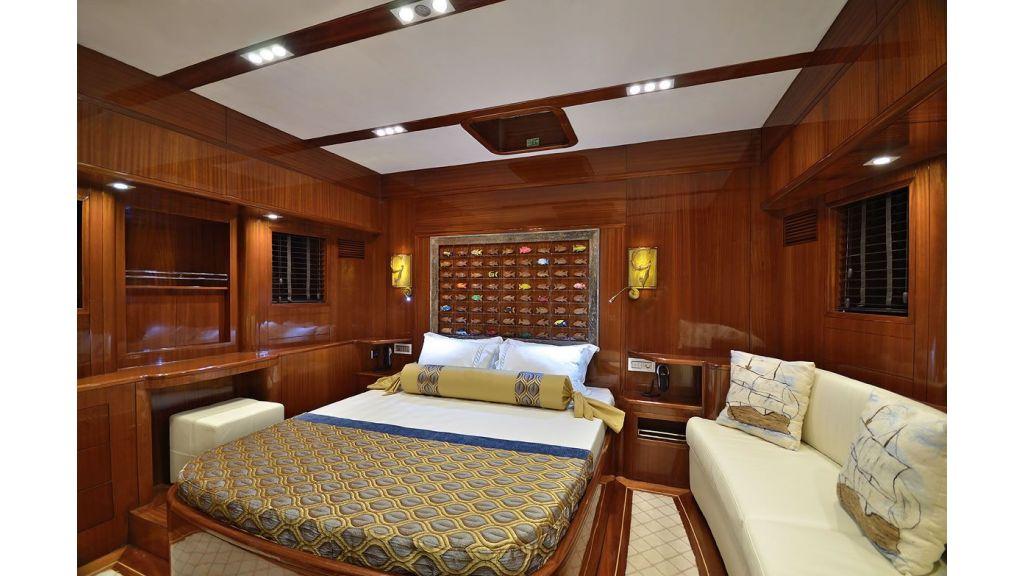 Custom-Designe-Sailing-Yacht