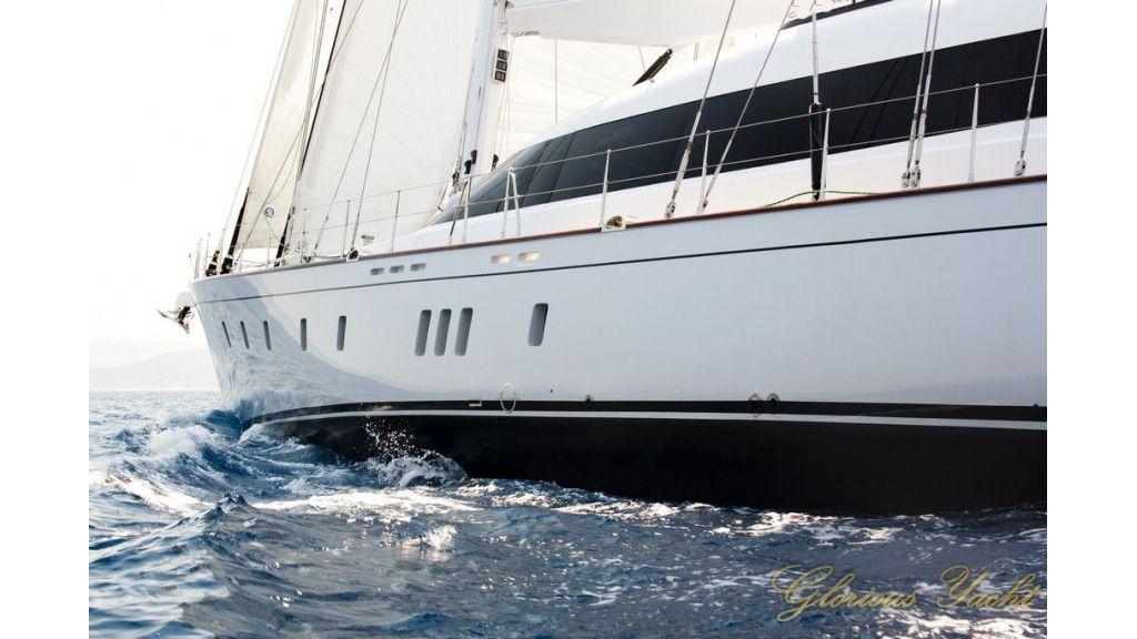 Custom_Designe_Sailing_Yacht