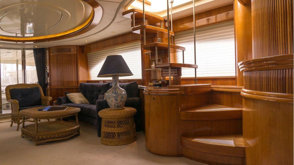 Queen A Azimut 85 motor yacht (17)