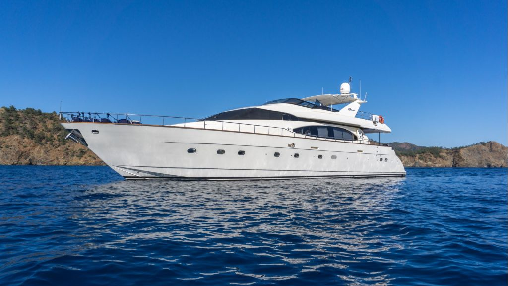 Queen A Azimut 85 motor yacht (2)