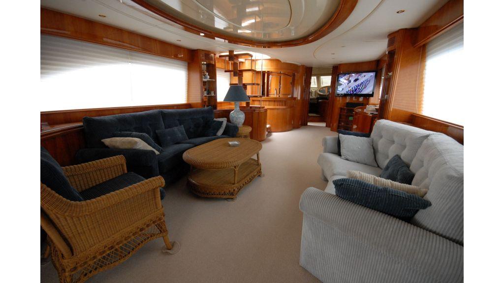 Queen A Azimut 85 motor yacht (36)