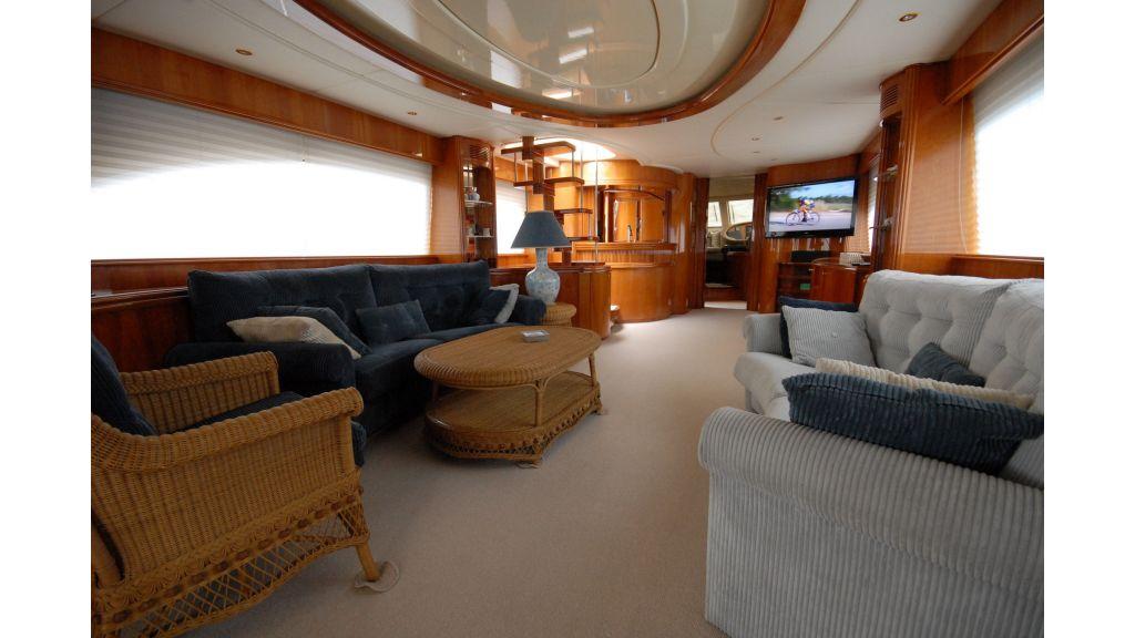 Queen A Azimut 85 motor yacht (37)
