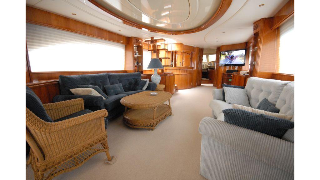 Queen A Azimut 85 motor yacht (39)