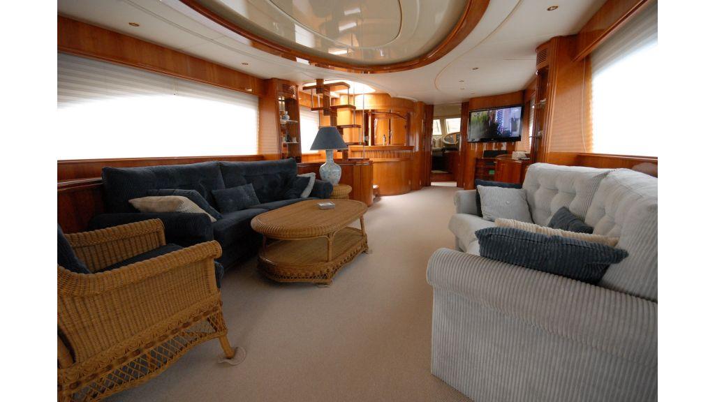 Queen A Azimut 85 motor yacht (40)