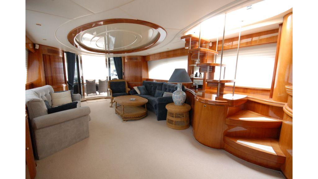 Queen A Azimut 85 motor yacht (41)