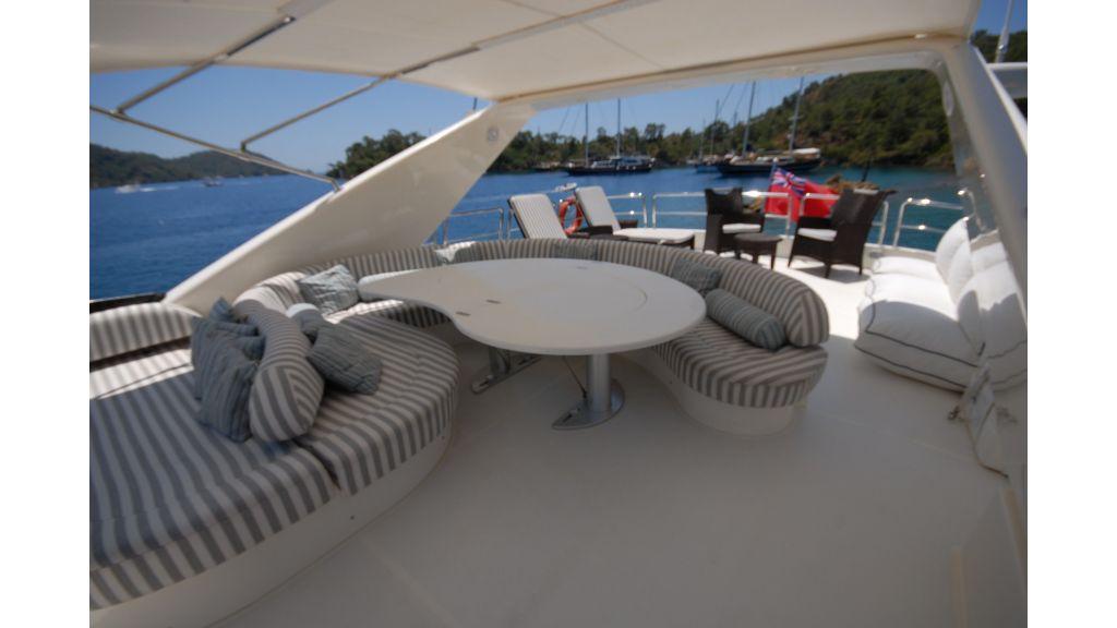Queen A Azimut 85 motor yacht (42)