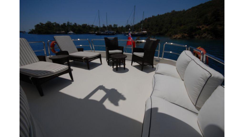 Queen A Azimut 85 motor yacht (43)