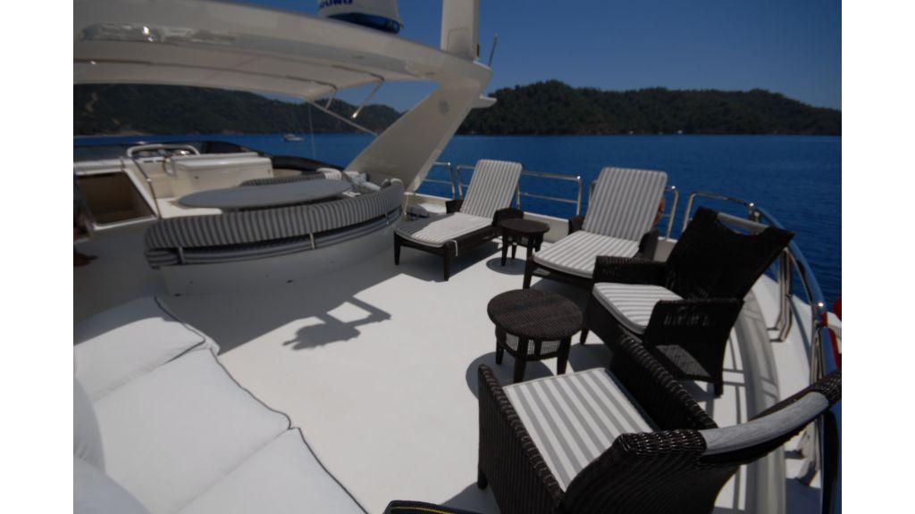 Queen A Azimut 85 motor yacht (44)