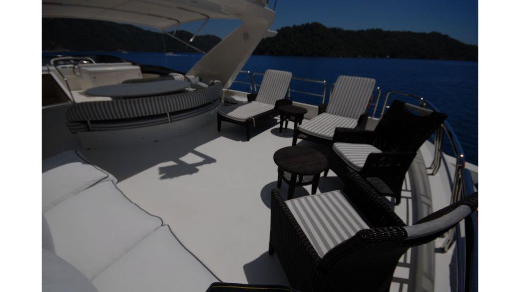 Queen A Azimut 85 motor yacht (45)