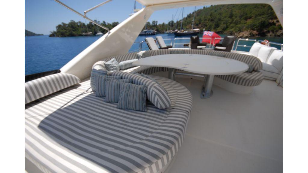 Queen A Azimut 85 motor yacht (48)