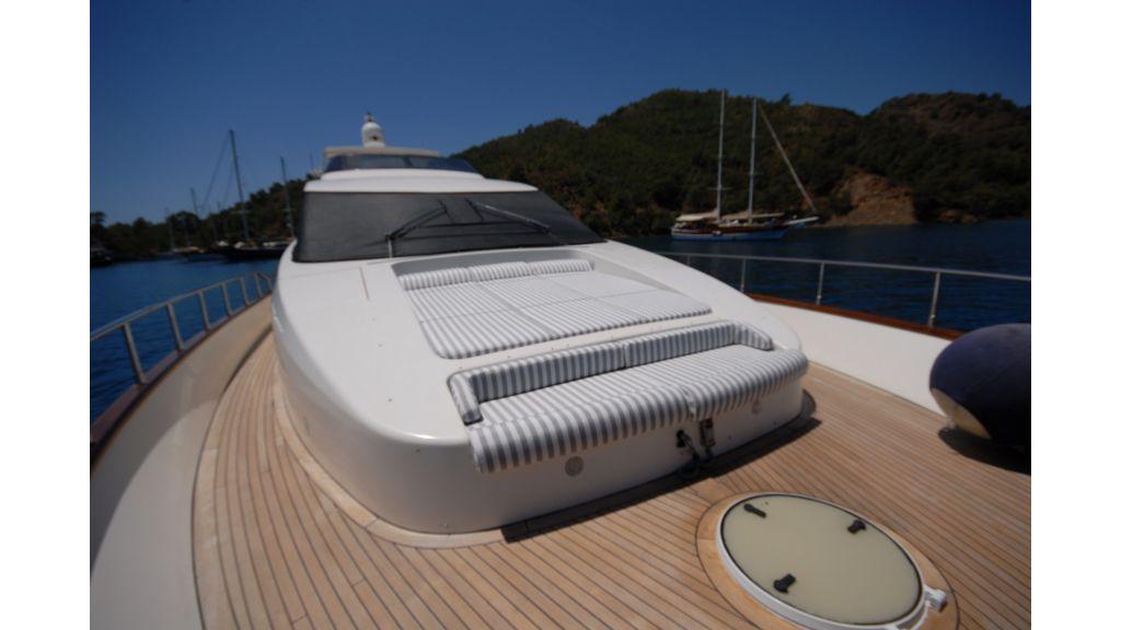 Queen A Azimut 85 motor yacht (49)