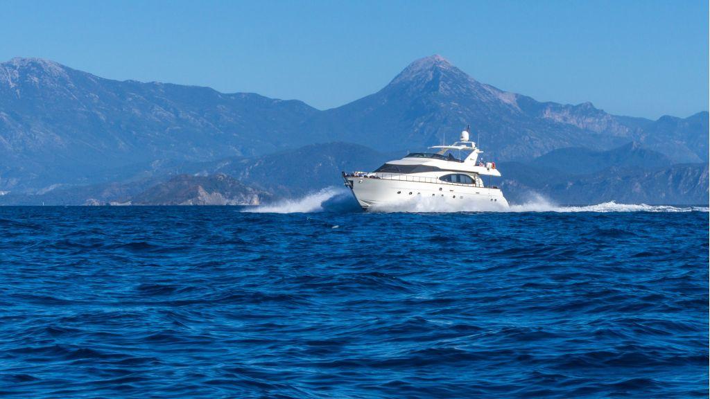 Queen A Azimut 85 motor yacht (7)