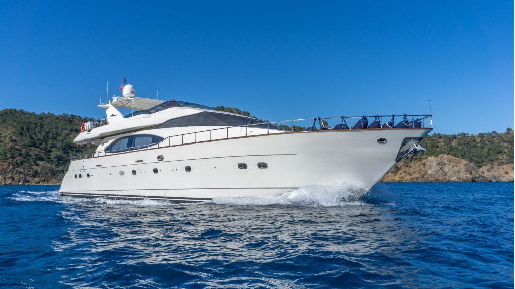 Queen A Azimut 85 motor yacht