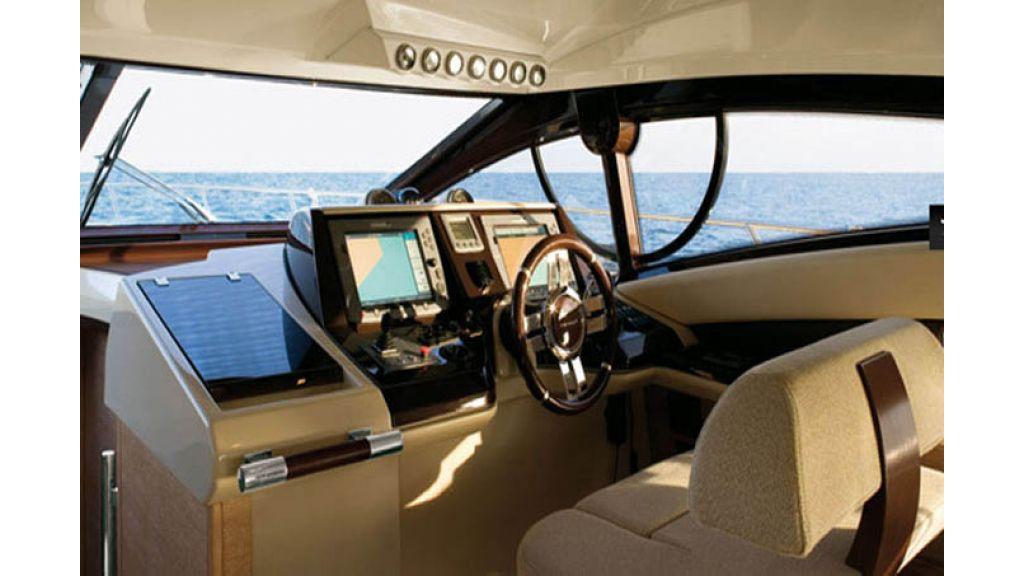Azimut 47- motoryacht for charter
