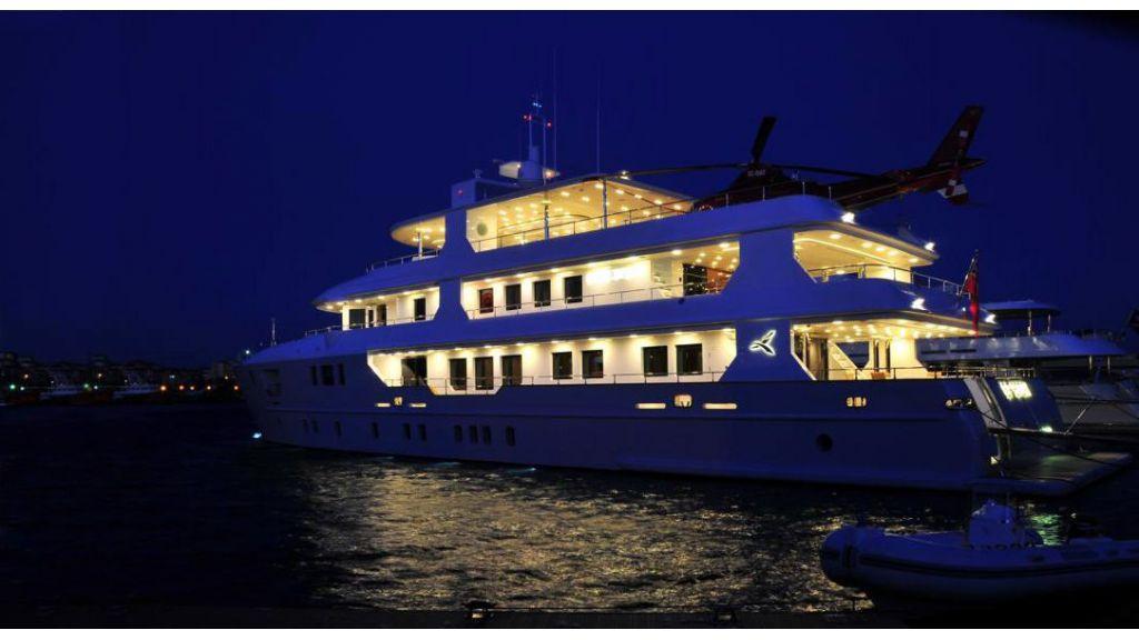 Palmarina motor yacht master.