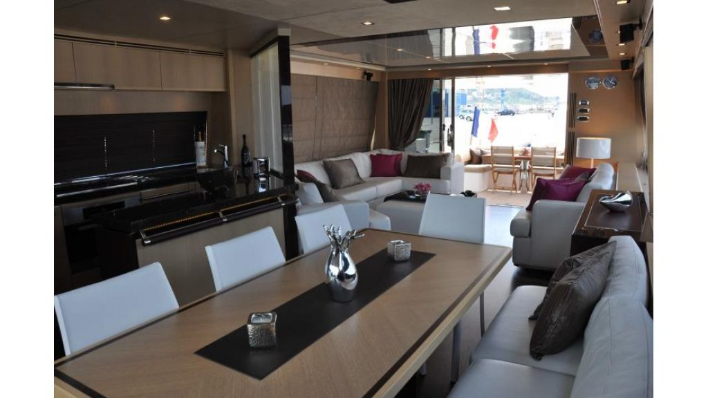 Princess 72 Motoryacht (6)