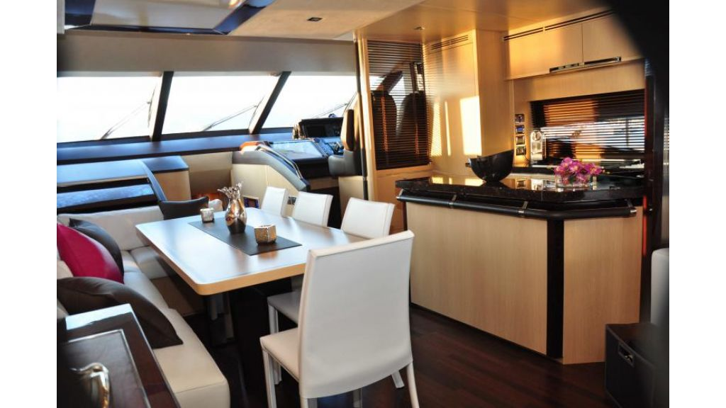 Princess 72 Motoryacht (10)