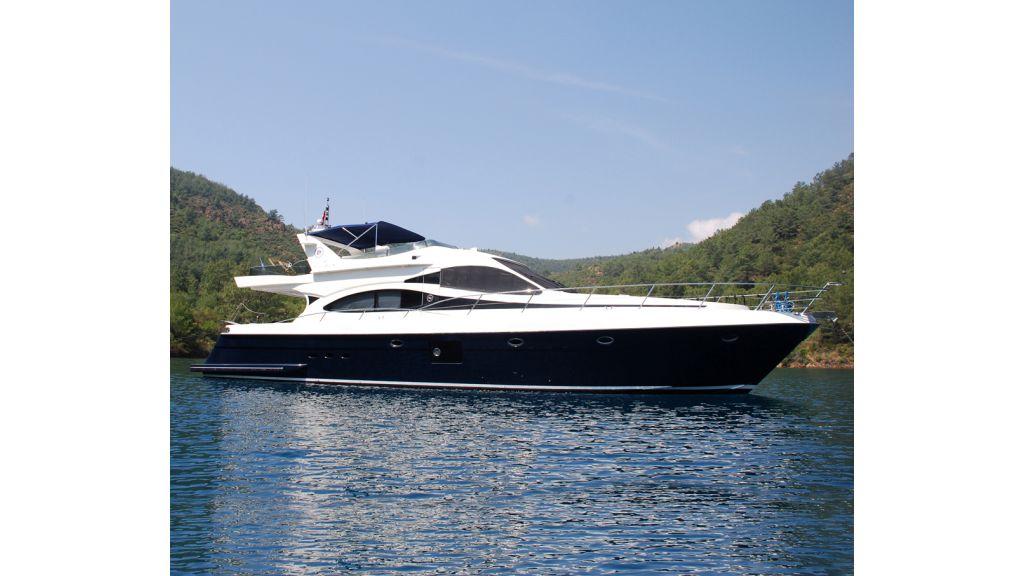 Laminated Motoryacht (9)