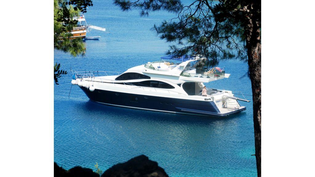 Laminated Motoryacht (12)