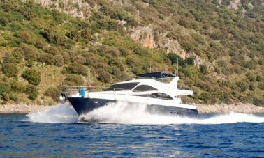 Laminated Motoryacht (16)
