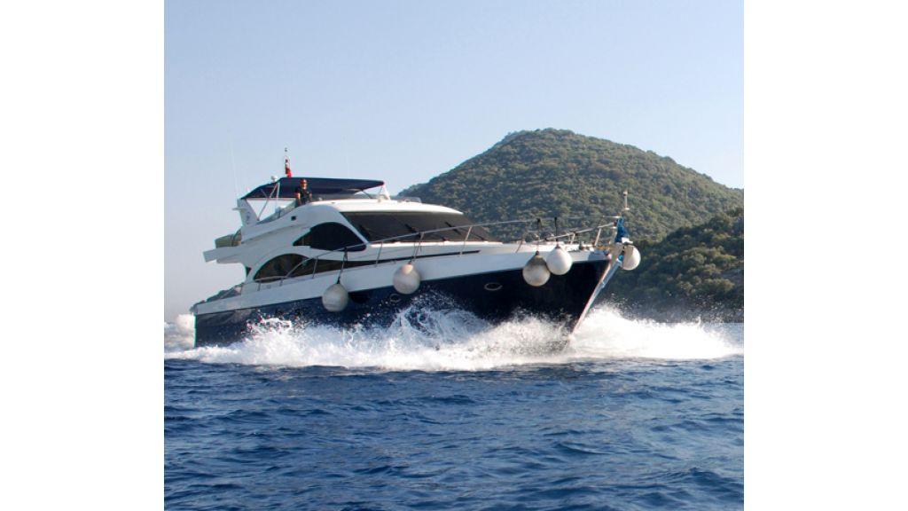 Laminated Motoryacht (17)