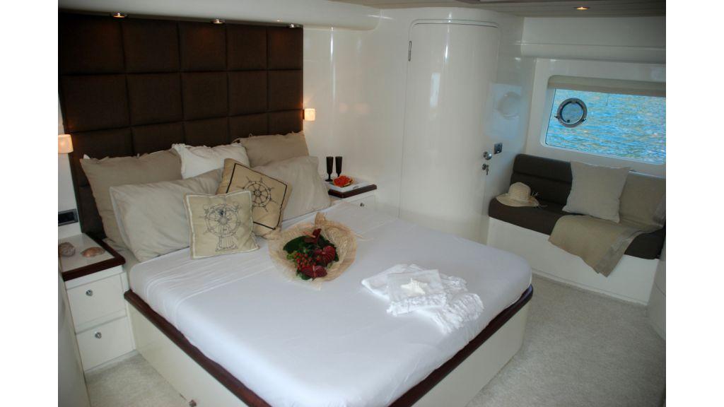 Laminated Motoryacht (22)